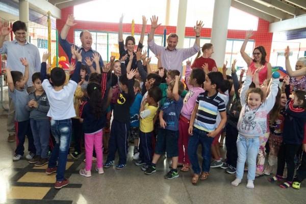 Autoridades visitam a Creche Paraíso da Infância